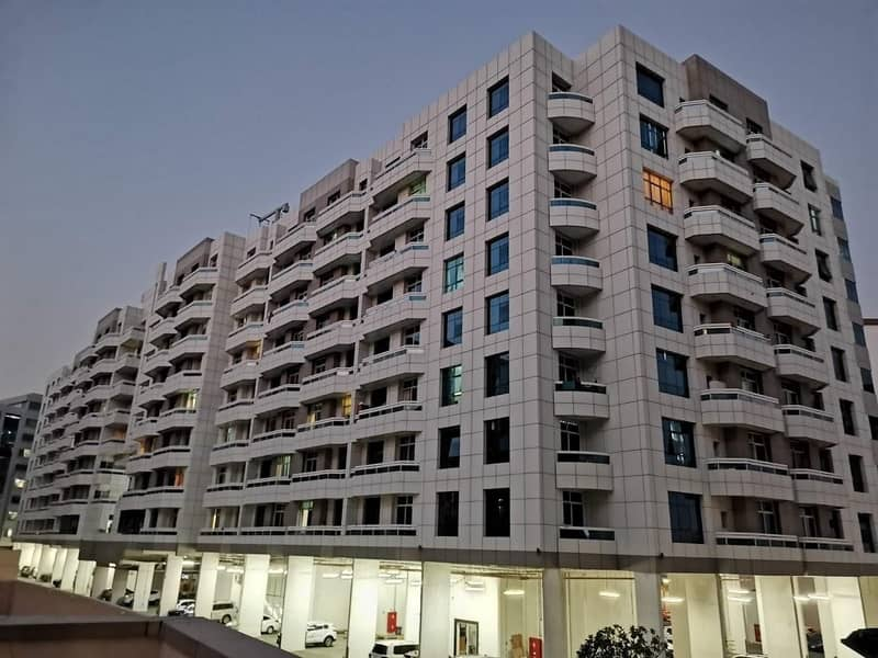 10 Bright 1-br with balcony 830 sqft avail only in 26/4 chks