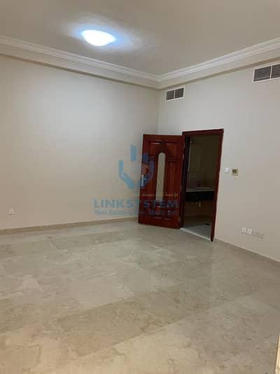 9 Bedroom Villa for Sale in Al Masoudi, Al Ain - 9 Bed Villa For Sale