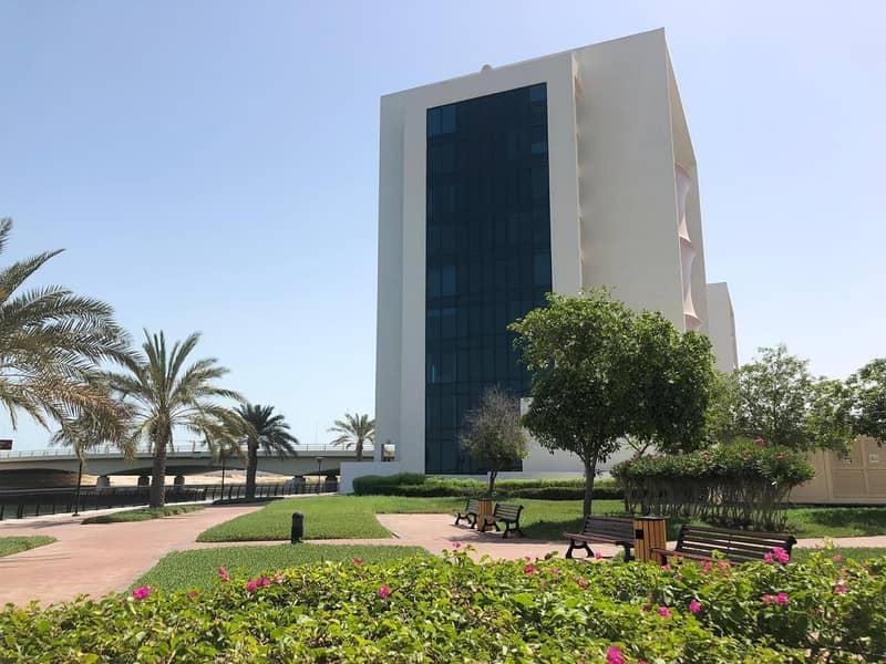 2 Outstanding | 3 Br Duplex Sea View | Mina Al Arab