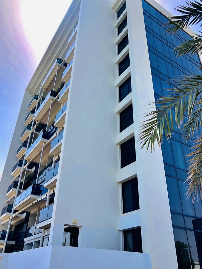 14 Outstanding | 3 Br Duplex Sea View | Mina Al Arab