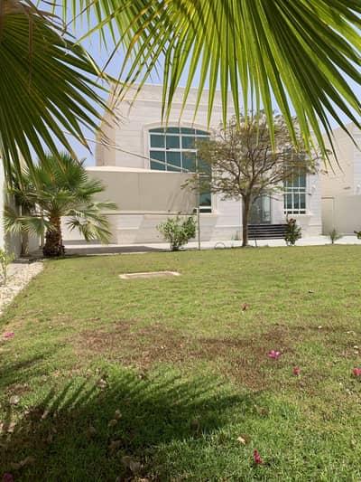 6 Bedroom Villa for Rent in Al Shamkha, Abu Dhabi - Best location, Luxurious 6 bedrooms Villa at Al Shamkha