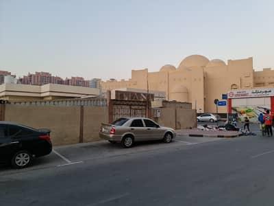 3 Bedroom Villa for Rent in Al Nuaimiya, Ajman - BIG HUGE  VILLA 3 BEDROOMS HALL MAJLIS OUT SIDE SMALL ROOM AND KITCHEN NEXT TO MASJID..