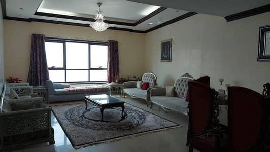 شقة 3 غرف نوم للبيع في كورنيش عجمان، عجمان - شقة فاخرة للغاية مطلة على البحر من 3 غرف نوم متاحة للبيع في شقة جديدة في برج كورنيش عجمان.