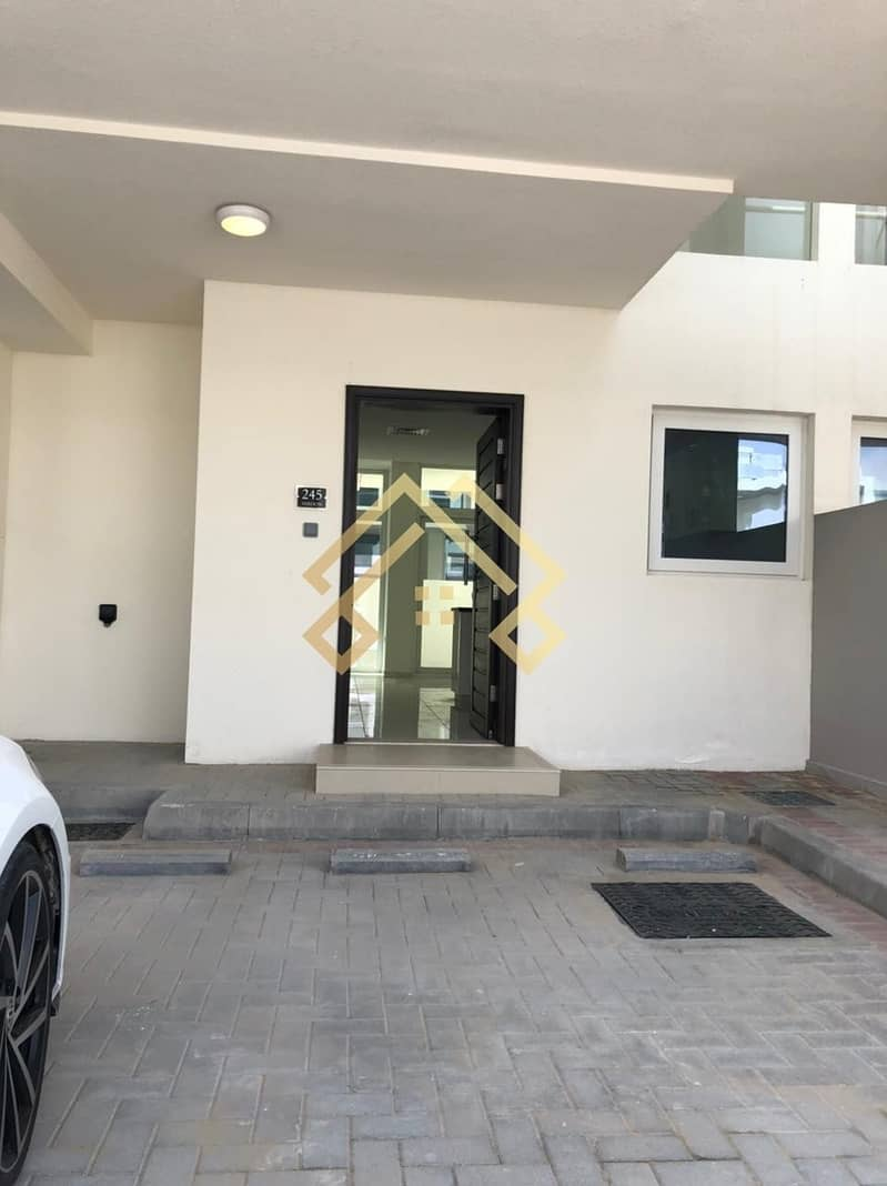 Best Price   Amazing 3BR Townhouse For Rent..!