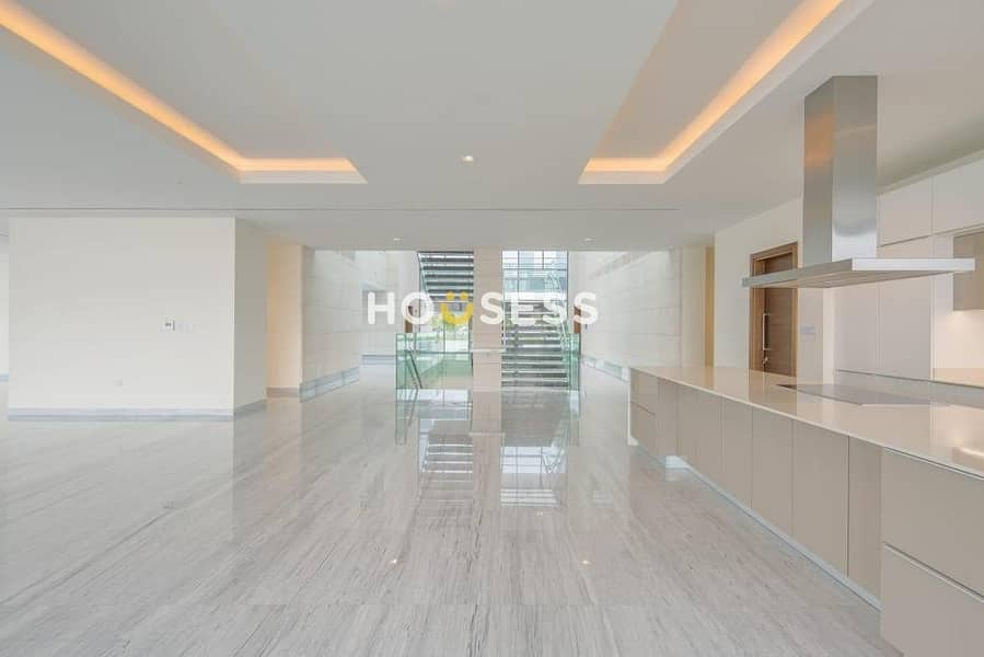 2 Luxurious 7BR Mansion   Contemporary  District One