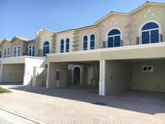 Like new Luxurious 3BR 4Baths Plus Maid's villa in Casa Familia