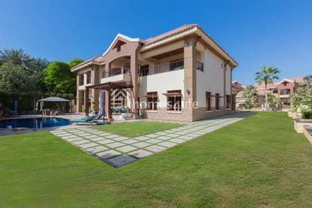 فیلا 5 غرف نوم للبيع في جزر جميرا، دبي - Luxurious 5BR Mansion with Pool in Jumeirah Island