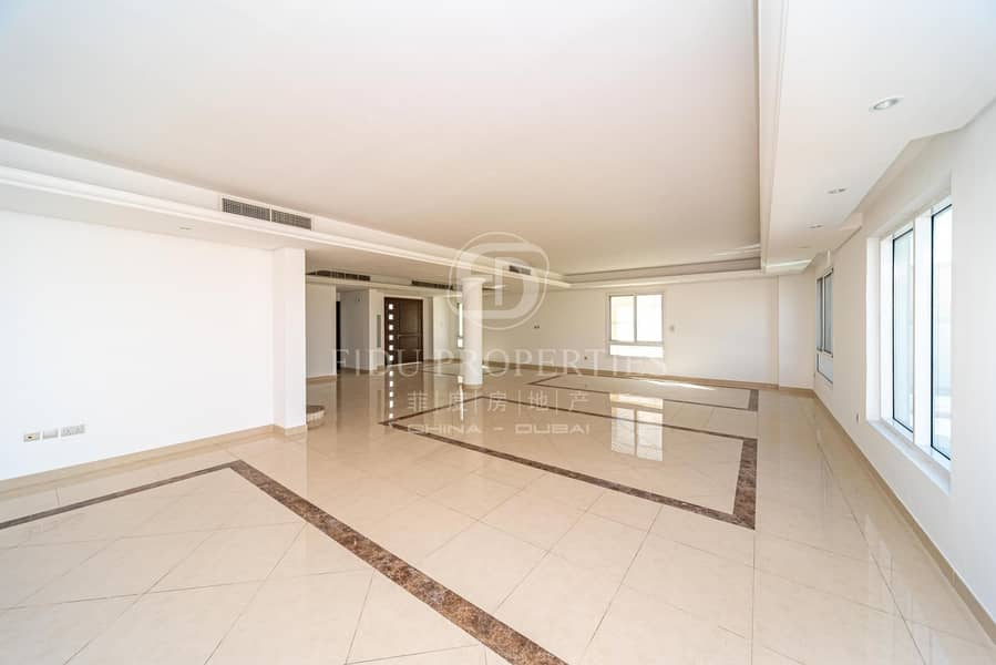 2 6 bedroom | Private pool | Full Golf Course View
