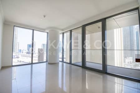 1 Bedroom Flat for Sale in Downtown Dubai, Dubai - Low Floor | Vacant | Business Bay and Canal View