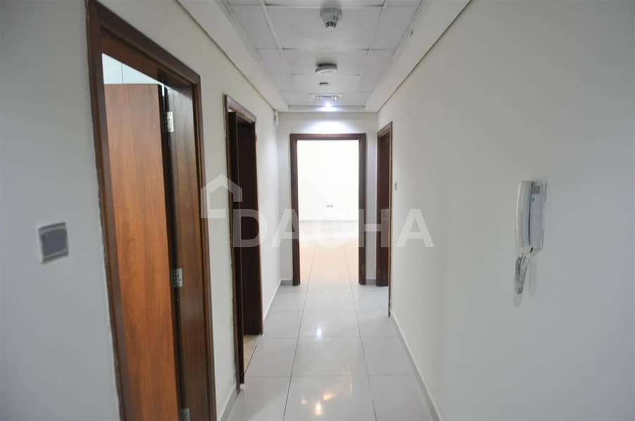 2 1 Bed / Unfurnished / Ideal location
