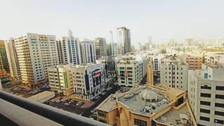 شقة في برج الواحة الخالدية 3 غرف 90000 درهم - 5100521