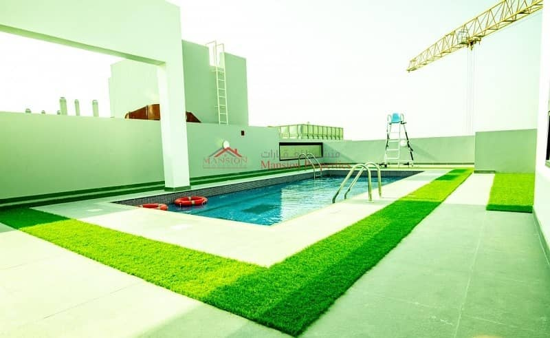 2 One Year Old 1 bedroom with shared pool and gym 14months Contract