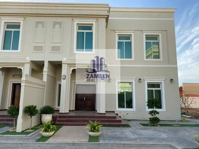 STYLISH 4  MASTER BED ROOM WITH MAID ROOM WITH MAJLIS AND SALAH
