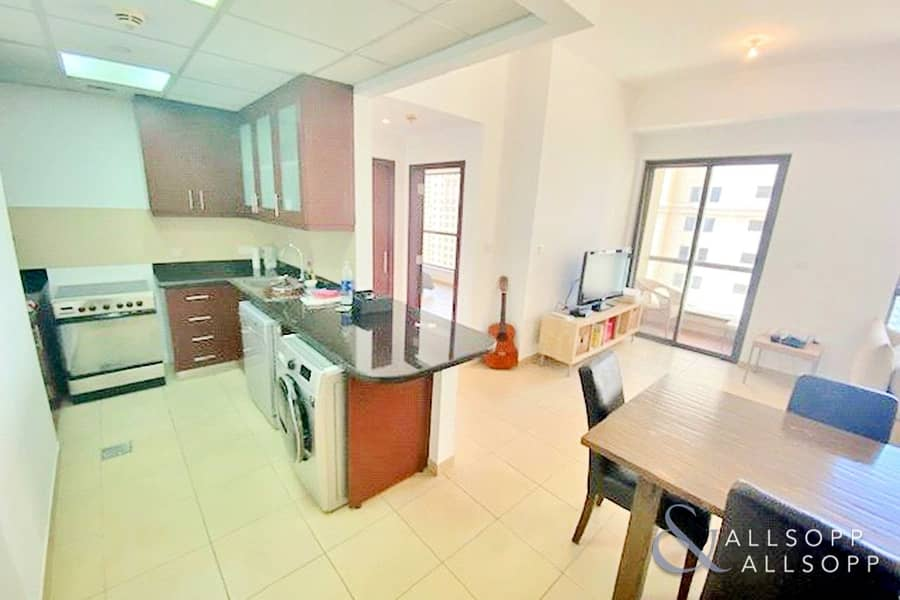 2 Sea View | Bright and Spacious | 1 Bedroom