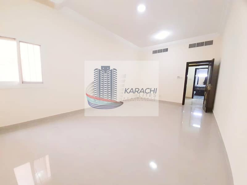 Super Offer! Spacious And Elegant Apartment With 01 Master Bedroom And Maid Room Near Khalifa University