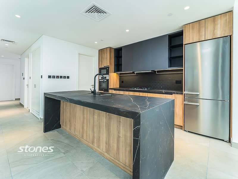 2 Contemporary   Spacious   Brand New   4 Cheques