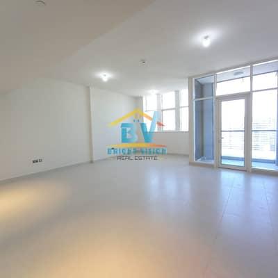 فلیٹ 3 غرف نوم للايجار في شارع حمدان، أبوظبي - Stunning 3 Bedroom  Maids   Huge Balcony   Parking  & Facilities