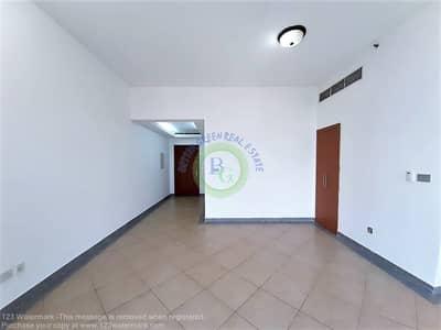 شقة 1 غرفة نوم للبيع في برشا هايتس (تيكوم)، دبي - Front of METRO  1 bed room with small store and  close kitchen