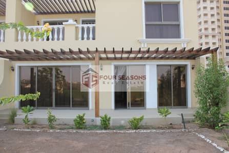 4 Bedroom Townhouse for Sale in Al Hamra Village, Ras Al Khaimah - Lagoon & Golf Course View TA Villa