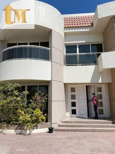 فيلا مجمع سكني 4 غرف نوم للايجار في جميرا، دبي - 4 bedroom compound villa with private entrance for rent