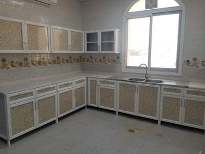 فلیٹ 4 غرف نوم للايجار في بني ياس، أبوظبي - شقة في بني ياس شرق بني ياس 4 غرف 70000 درهم - 5101567