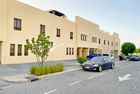 3 Bedroom Villa for Sale in Hydra Village, Abu Dhabi - Spacious Villa In A Friendly And Safe Location