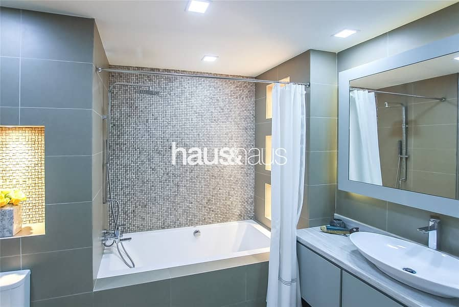 10 Fully Upgraded | 2 Bedroom | Sea View