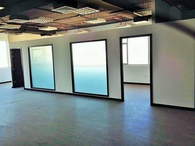 Office for Sale in Dubai Silicon Oasis, Dubai - Semi fitted office with 4 parking|Well Maintained