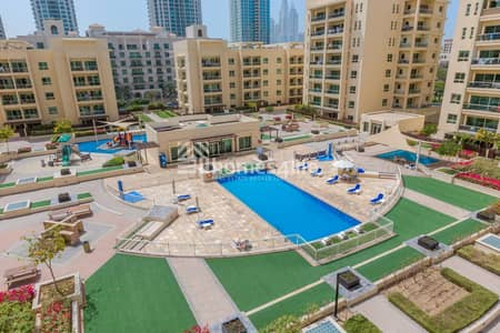 3 Bedroom Flat for Sale in The Greens, Dubai - Fabulous Pool Facing