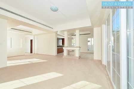 4 Bedroom Villa for Rent in Umm Al Quwain Marina, Umm Al Quwain - C3 Type Villa - 4 Bedroom + Maids Room - Available
