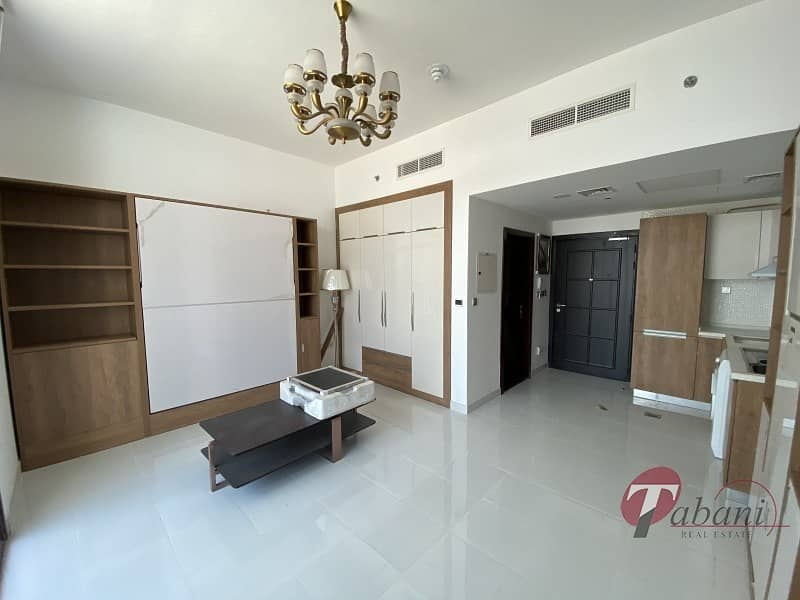 Brand New furnished  Close to metro Great location