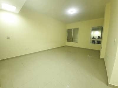 شقة 2 غرفة نوم للايجار في شارع الفلاح، أبوظبي - شقة في شارع الفلاح 2 غرف 44999 درهم - 5102426