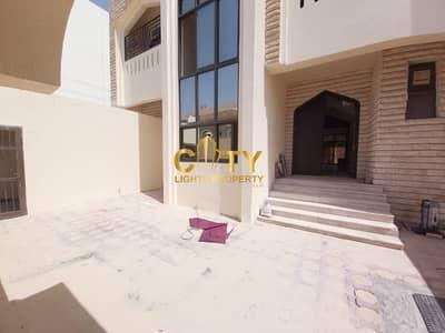 فیلا 5 غرف نوم للايجار في المرور، أبوظبي - Newly Renovated Family Villa