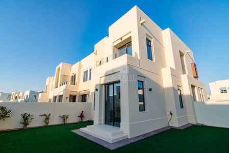 3 Bedroom Villa for Rent in Reem, Dubai - 3Large Bed plus Study|Corner Plot|Facing the Pool