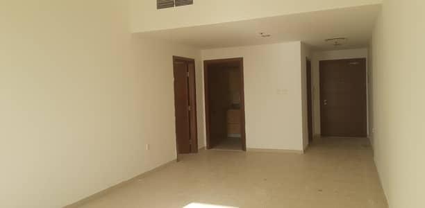 شقة 1 غرفة نوم للايجار في مدينة دبي للإنتاج، دبي - شقة في أوك وود ريزيدينسي مدينة دبي للإنتاج 1 غرف 29999 درهم - 5025694