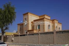BEAUTIFUL 9 BEDROOMS AND 10 BATHROOMS VILLA IN FALAJ  HAZAA