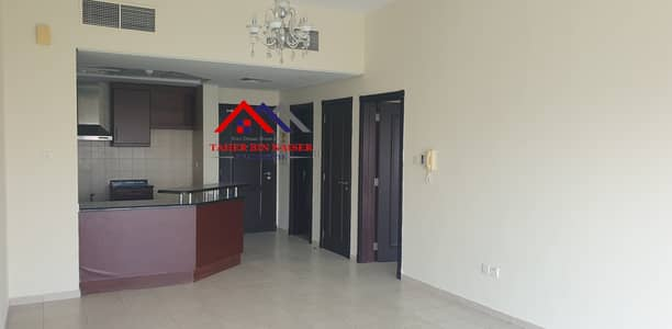 NEAR METRO BALCONY 1BEDROOM FLAT AVAILABLE FOR RENT IN MED CLUSTER