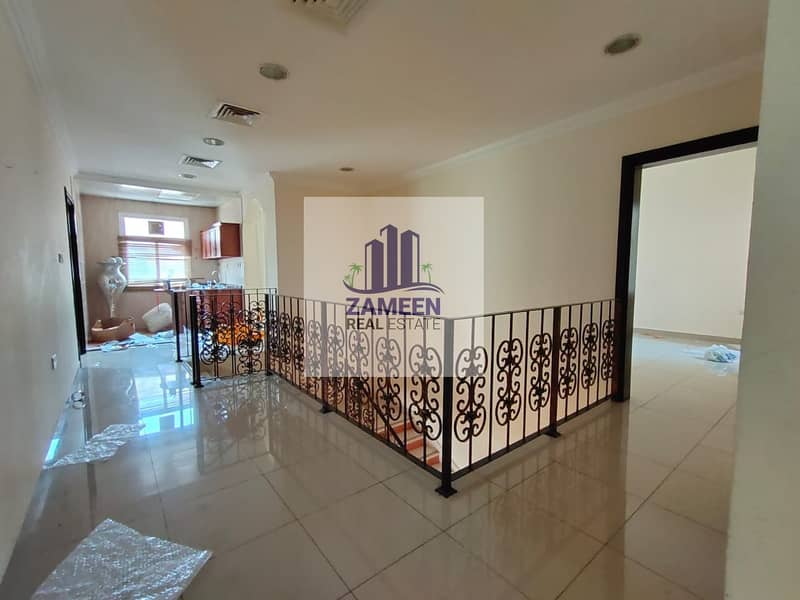 9 5 BED ROOM WITH DRIVER ROOM MAID ROOM CENTRAL AC VILLA