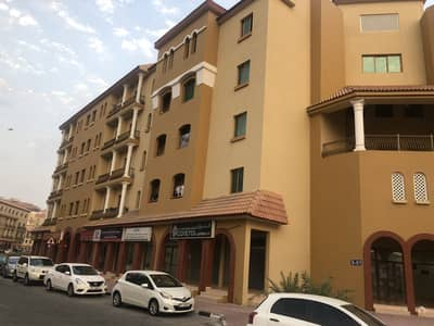 فلیٹ 1 غرفة نوم للبيع في المدينة العالمية، دبي - شقة في الحي الإسباني المدينة العالمية 1 غرف 300000 درهم - 5104493