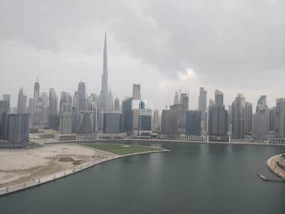 Office for Sale in Business Bay, Dubai - 10 Parkings | Full Floor + Balcony & Panoramic View | Rented | Fitted Partitioned