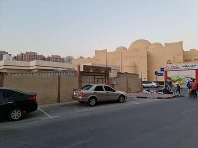 3 Bedroom Villa for Rent in Al Nuaimiya, Ajman - BIG >>HUGE  VILLA 3 BEDROOMS HALL MAJLIS OUT SIDE SMALL ROOM AND KITCHEN NAUIMEYA