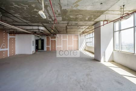 طابق تجاري  للايجار في أبراج بحيرات الجميرا، دبي - Shell and Core | Mid Floor | Near Dubai Metro