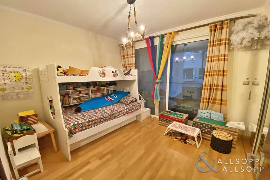 10 Vacant On Transfer   3 Bedroom   Rare Unit