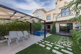 EXCLUSIVE - 2M Villa - Landscaped Garden