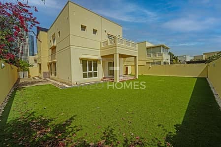 3 Bedroom Villa for Rent in The Meadows, Dubai - Type 5 I Upgraded Kitchen I Large Garden