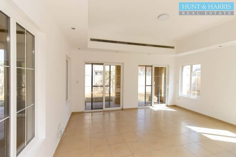 2 Modern Finish - Spacious 3 Bedroom Villa - Desirable Area