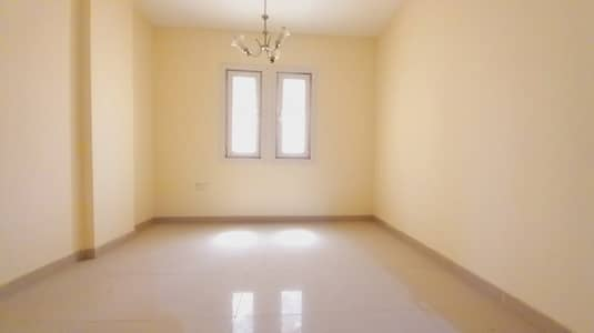 1 Bedroom Apartment for Rent in Al Qulayaah, Sharjah - READY TO MOVE 1BHK FLAT 850 sq-feet WITH CENTRAL AC CENTRAL GAS JUST IN 18K
