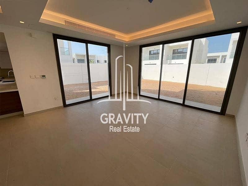 Great Value | Fancy 3BR Townhouse | Rental Back