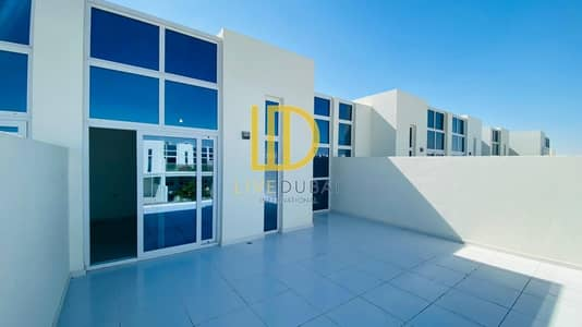 3 Bedroom Villa for Rent in Akoya Oxygen, Dubai - Brand New   Close to Pool   Large  Living Room HL