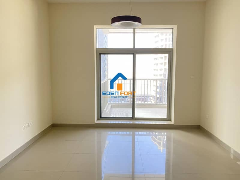 Spacious one Bedroom With Kitchen Appliances